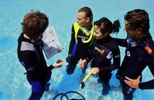 Croatia Diving: PADI Instructor giving briefing about DSD