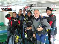 Croatia Diving: Divers getting ready for the dive